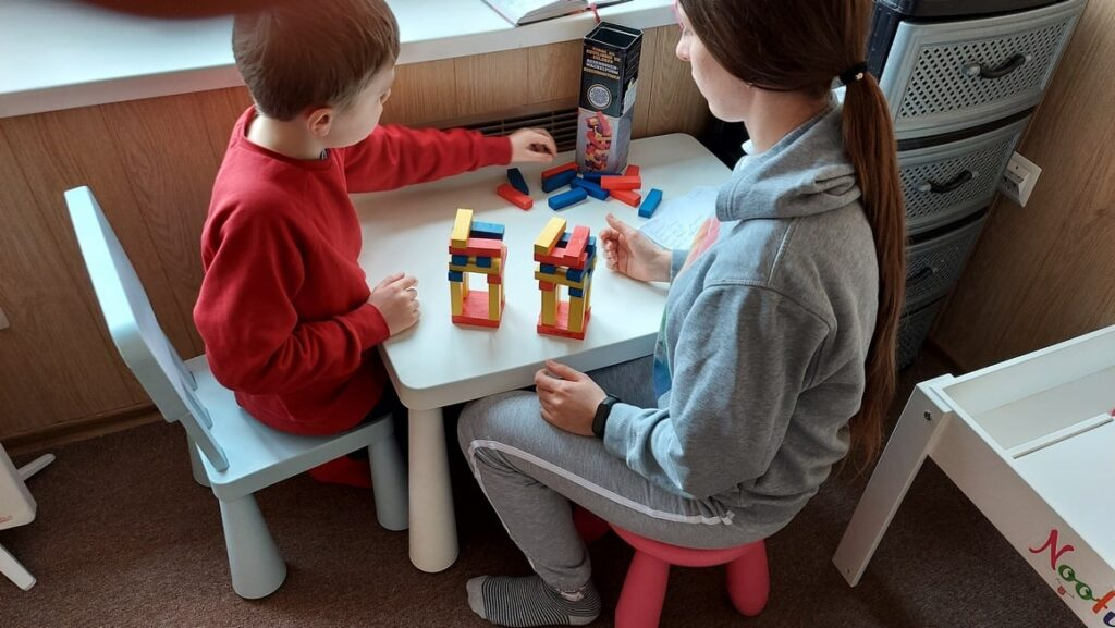 Развивающие занятия при аутизме в Харькове