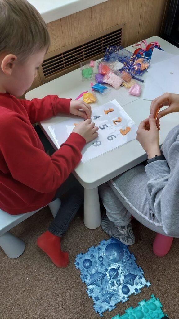 Занятия по сенсорной интеграции для детей с РАС в TimmiClub
